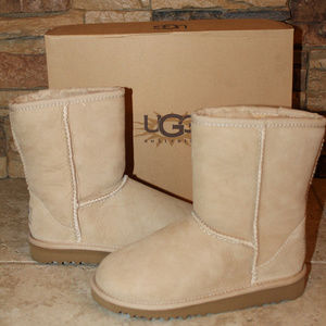 UGG CLASSIC SUEDE SHEARLING BOOTS GIRLS SAND NEW!